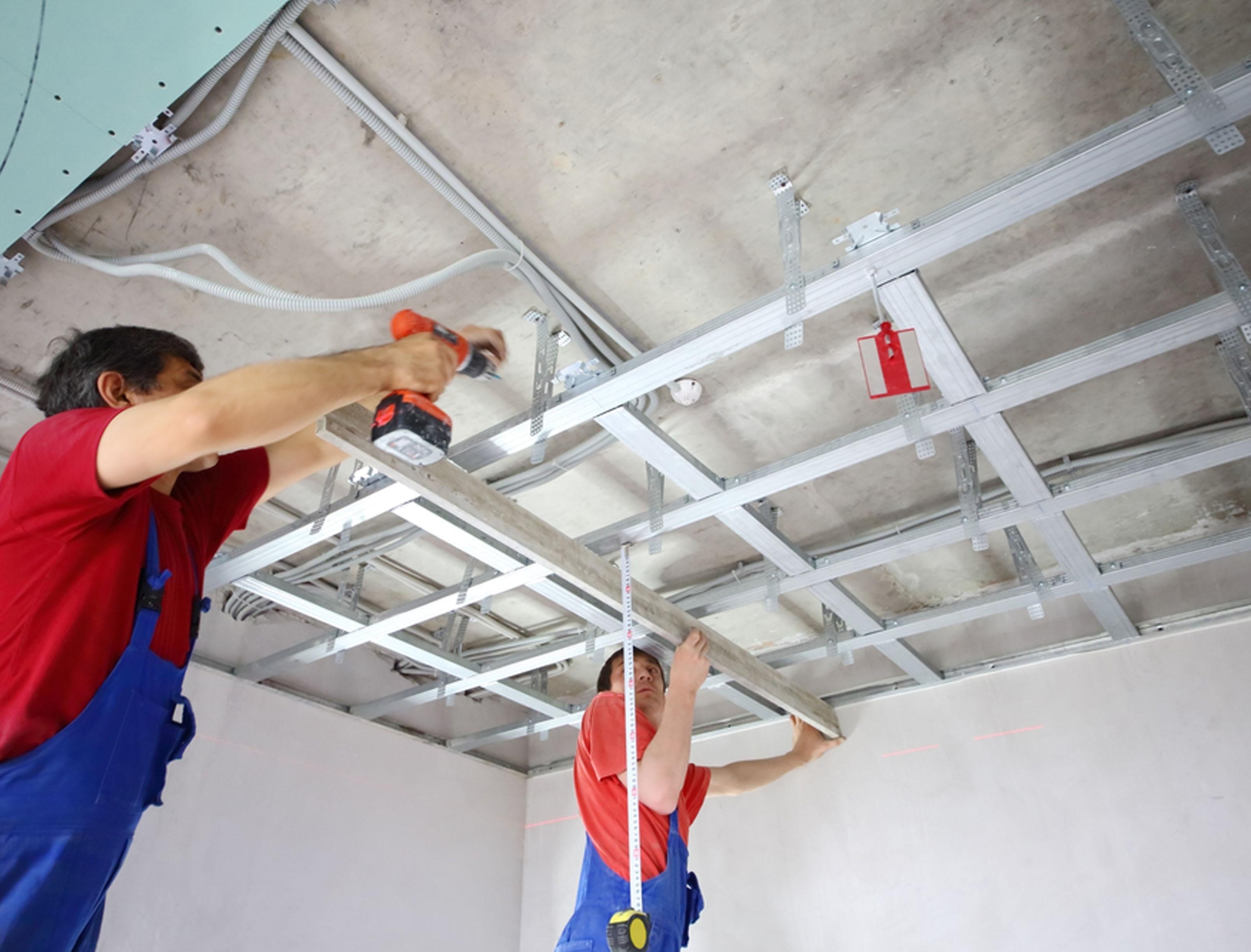 Как сделать правильный ремонт потолка